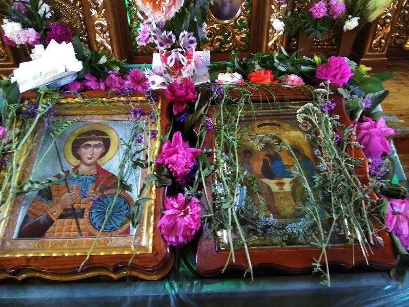 Троица в храме8